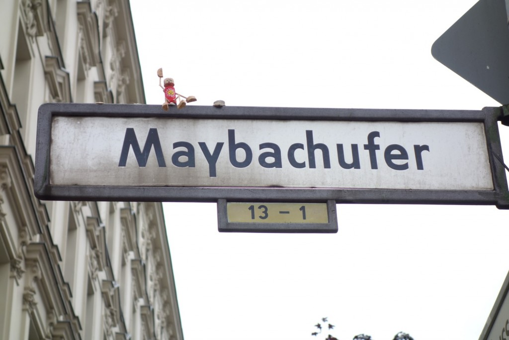 Straßenschild Maybachufer