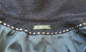 Jacke mit Namensschild