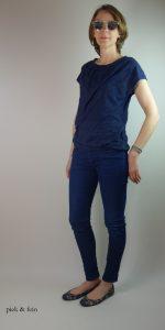dunkelblaues Blusenshirt