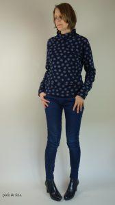 Pulli mit Jeans