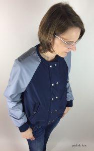 blau-graue Bomberjacke aus der Burderstyle