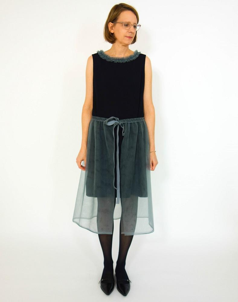 schwarzes, ärmelloses Weihnachtskleid mit Tüllrock