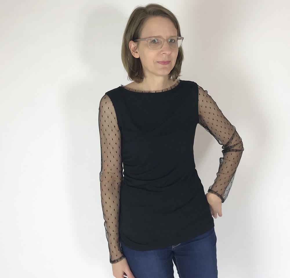 schwarzes Jersey-Shirt mit Tüllärmel