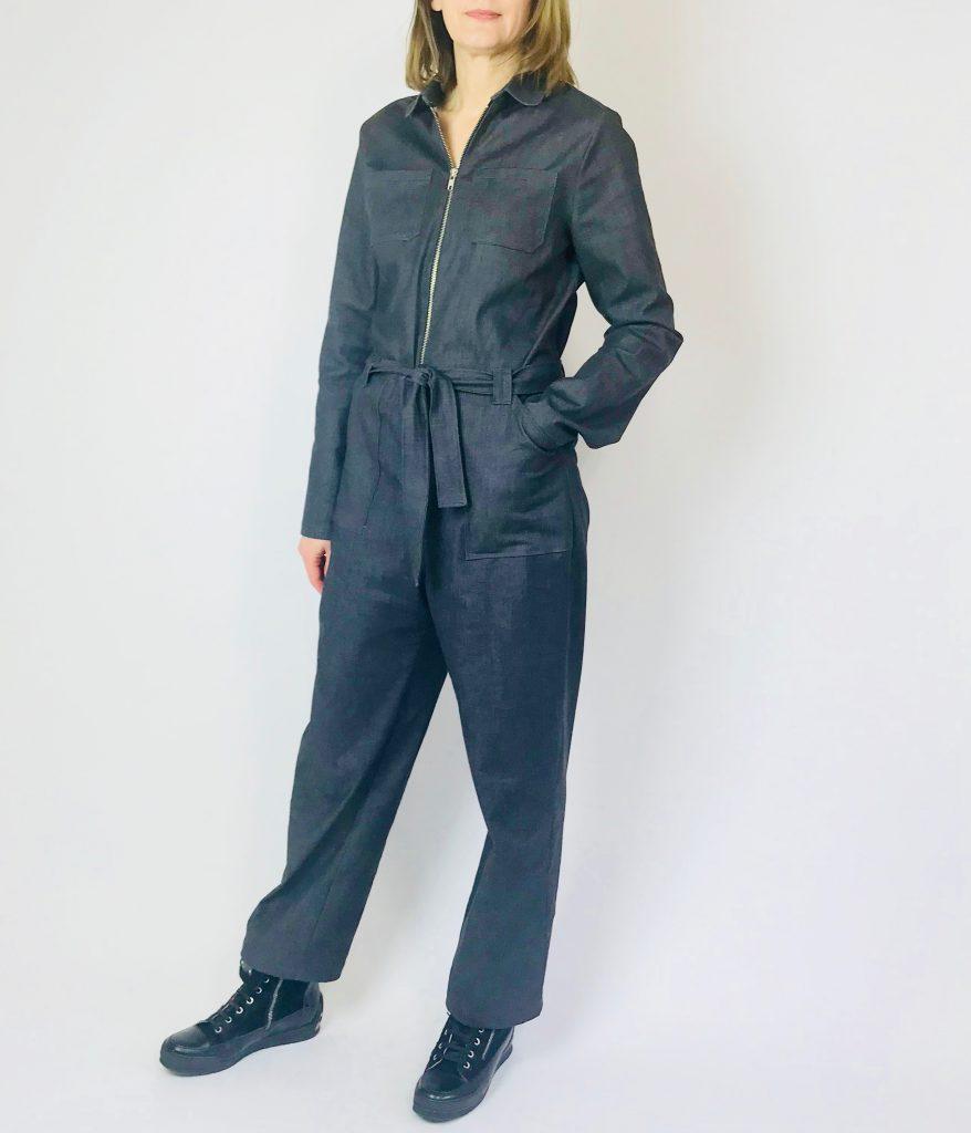 Leah Jumpsuit aus schwarzem Jeansstoff
